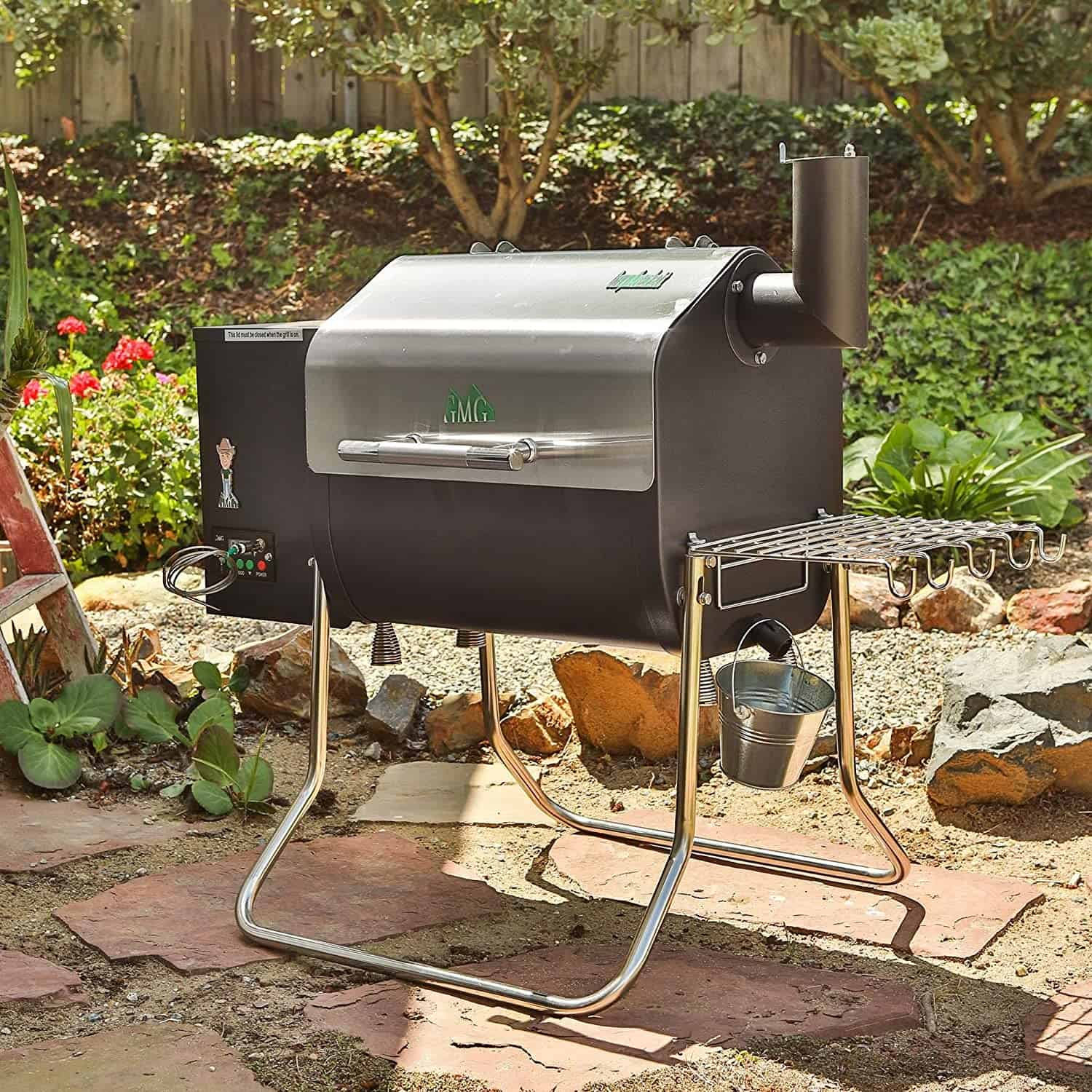 Best cheap budget pellet smoker: Green Mountain Davy Crockett