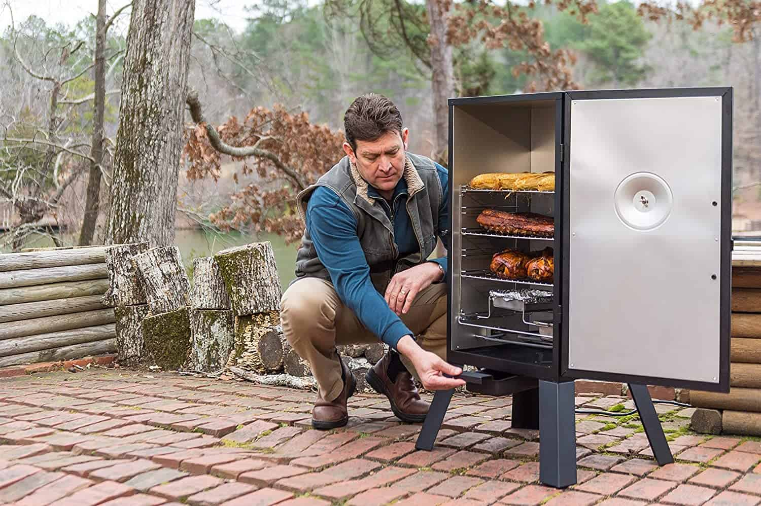 most popular electric smokers the Masterbuilt MB200 series