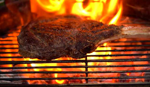How-to-Grill-a-Tomahawk-Steak