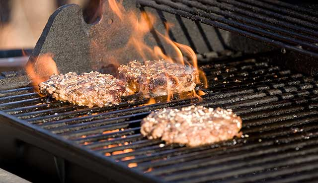 How-to-Reheat-Burger-on-the-Grill