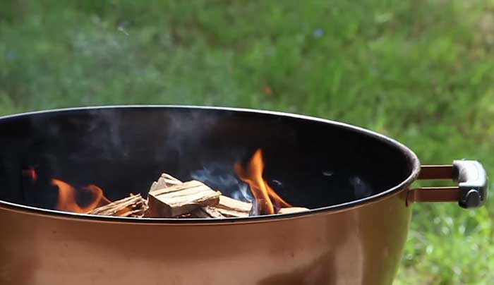 how-to-use-wood-chips-on-a-charcoal-grill