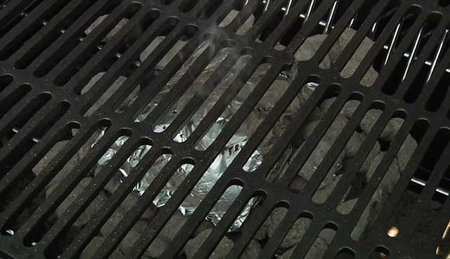 place-the-grate-in-the-grill