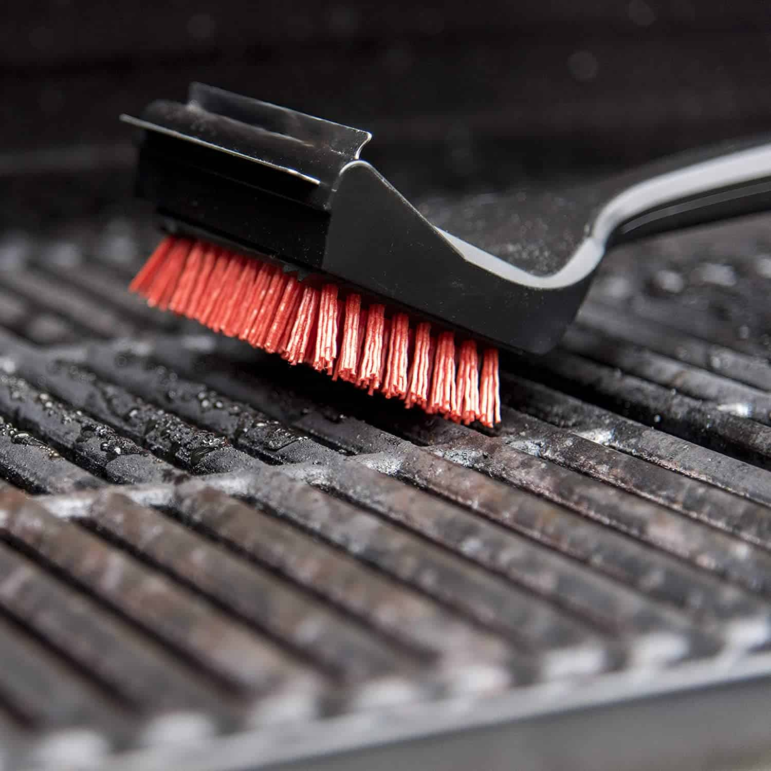 Best nylon grill brush- Char-Broil SAFER Grill Brush on the grill